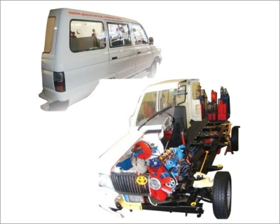 Car Chassis Rear Wheel Drive Actual Cut Section - Motorised 4 Stroke 4 Cylinder Diesel Engine With C